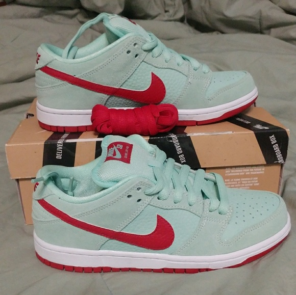 online retailer 3b5ec 3483f Nike SB Monopoly Mint Red VNDS Rare Dunk Low